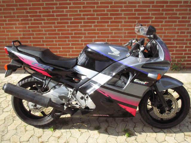 honda cbr 600 hurricane motorcycle specification autos post. Black Bedroom Furniture Sets. Home Design Ideas